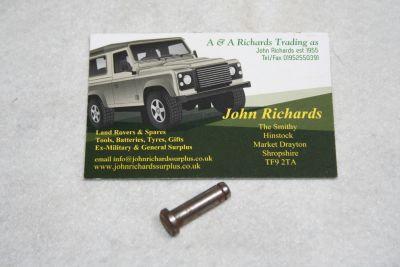 Land Rover LT77 gearbox pivot pin UKC2662L