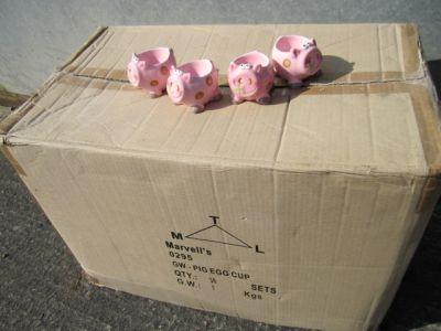 Set of 4 Novelty Pink Pig Ceramic Egg Cups x 36 Trade Pack