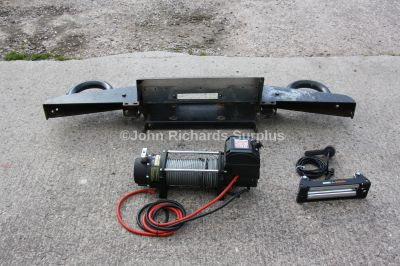 Land Rover Defender Barbarian Winch Bumper Used with New Sealey 6000lb Winch (Collection Only)