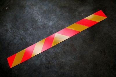 Long Vehicle truck trailer reflective warning sign