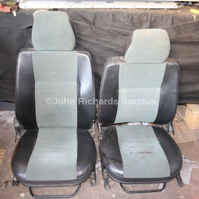 Land Rover Defender Front Seat Pair Used Condition (Collection Only)