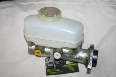 Land Rover Series 3 Brake Master Cylinder 90577520