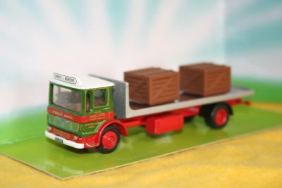 EFE Die Cast Albion 2 Axle Flatbed Lorry 1:76 Scale