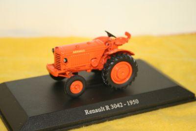 Universal Hobbies Die Cast Renault R 3042 Tractor 1:43 scale 6021