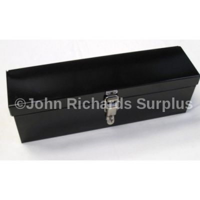 Tractor tool box with lockable clasp