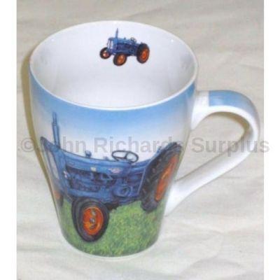 Leonardo china mug Fordson Major