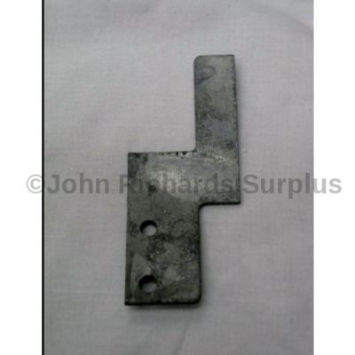 Land Rover bench seat bracket R/H 331314