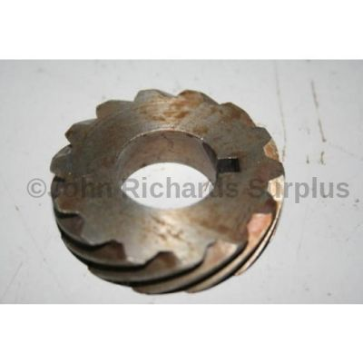 Land Rover all models to 1982 V8 distributor gear 602159