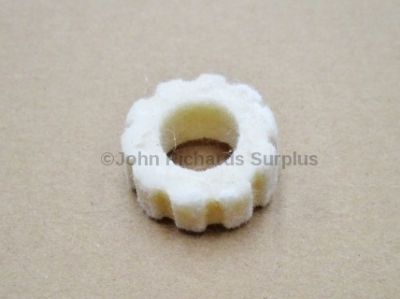 Output Shaft Felt Seal Rear 622042