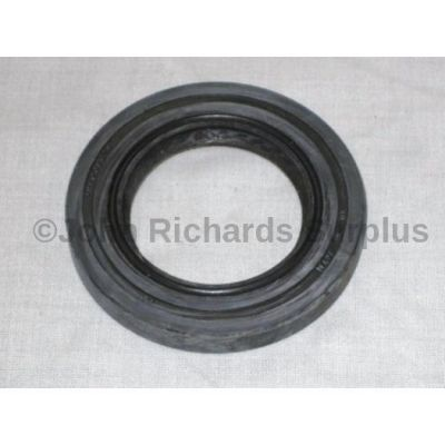 Land Rover LT95 Rear Output Oil Seal 90622240