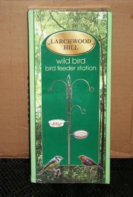 Larchwood Hill Pole Mounted Bird Feeding Station