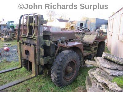 Clark Ranger 4x4 forklift restoration project