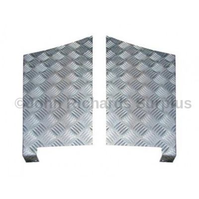 Defender 110 Pair of Aluminium Rear Wing Chequer Plates P.O.A DA4071