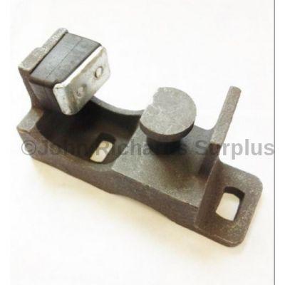 Door Lock Striker R/H FQB000040