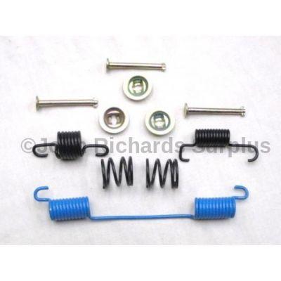 Handbrake Shoe Spring Kit STC1526