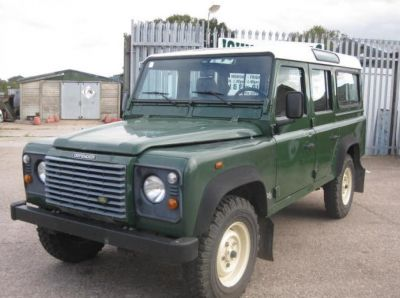 Land Rover Defender TD5 Station wagon LHD 07/2003 - Green