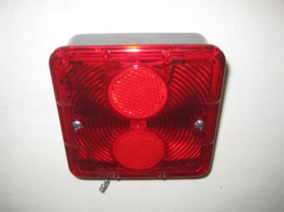 Britax stop/tail lamp assembly with number plate lens part no 700.00