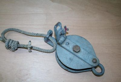 Single Sheave Opening Roller Pulley 3CWT Used Condition