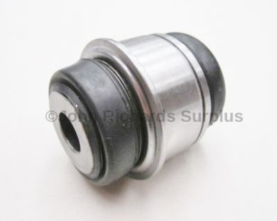 Hub Knuckle Bush Rear Lower RBK500220