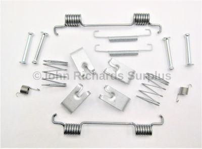 Handbrake Shoe Fitting Kit SFS500012FK