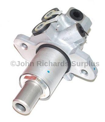 Brake Master Cylinder SJC000010